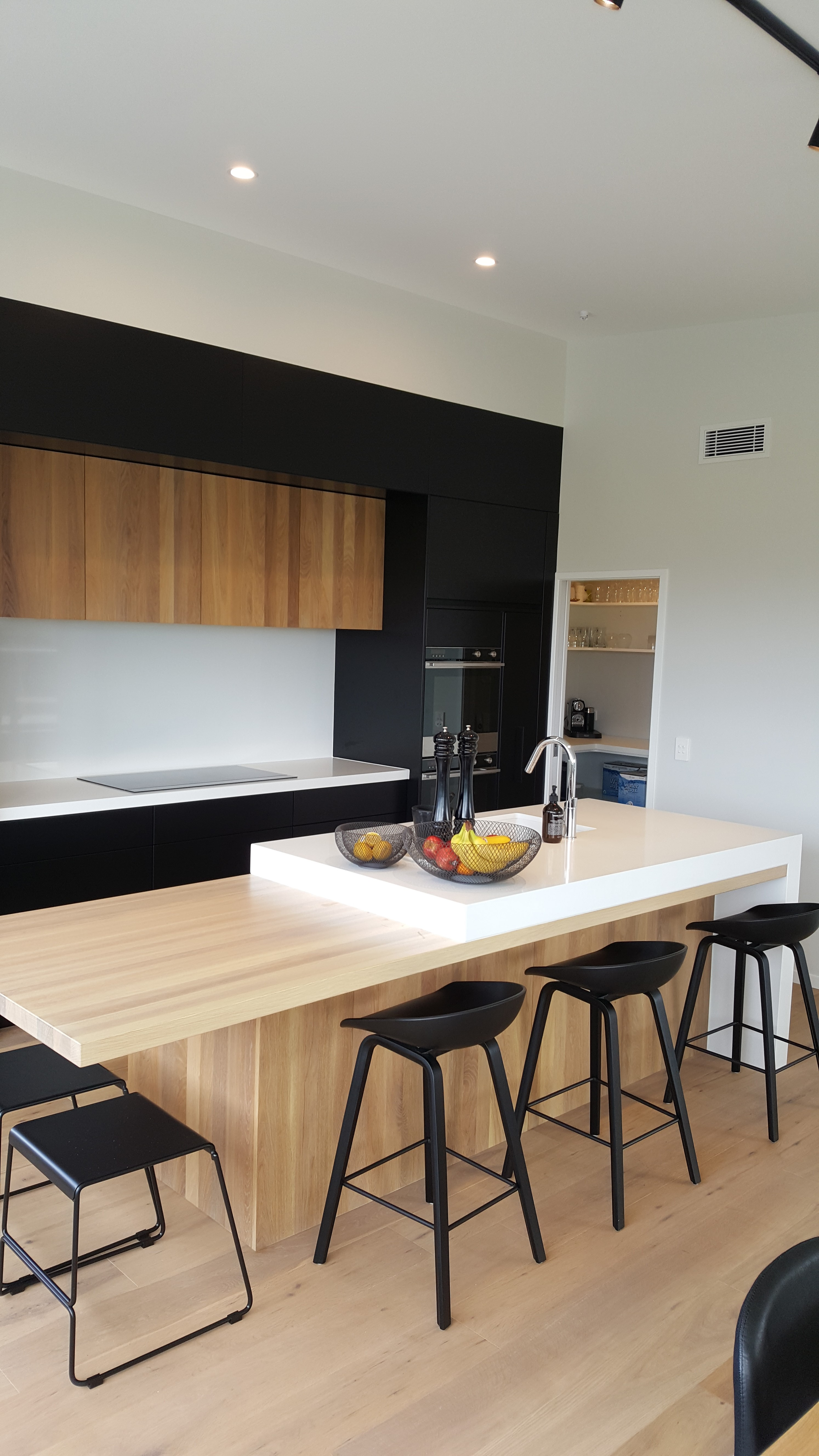 Bold And Minimal Silverdale Kitchens